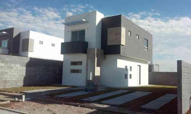 Venta De Casa En Jarachina Sur Doble Terreno Estilo Modernista